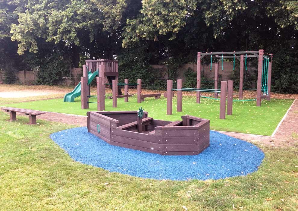 Fishponds Wandsworth Playground Installation photo