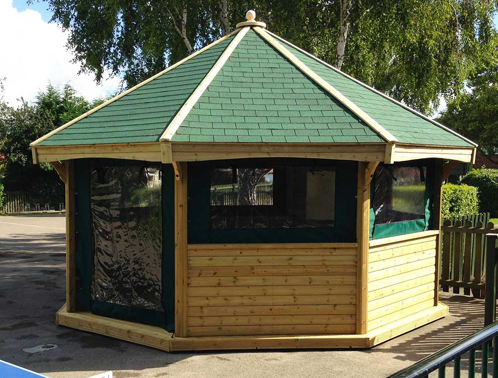 5m Octagonal shelter with roll-down canvas panels 2