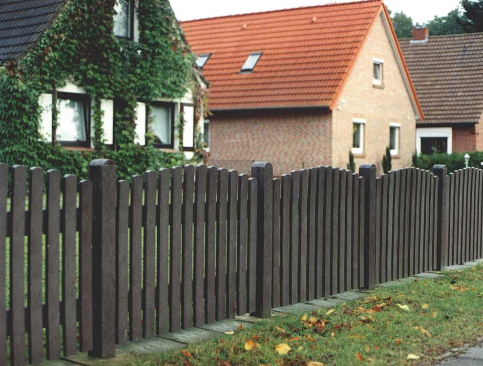 Recycled Plastic Palisade Fencing